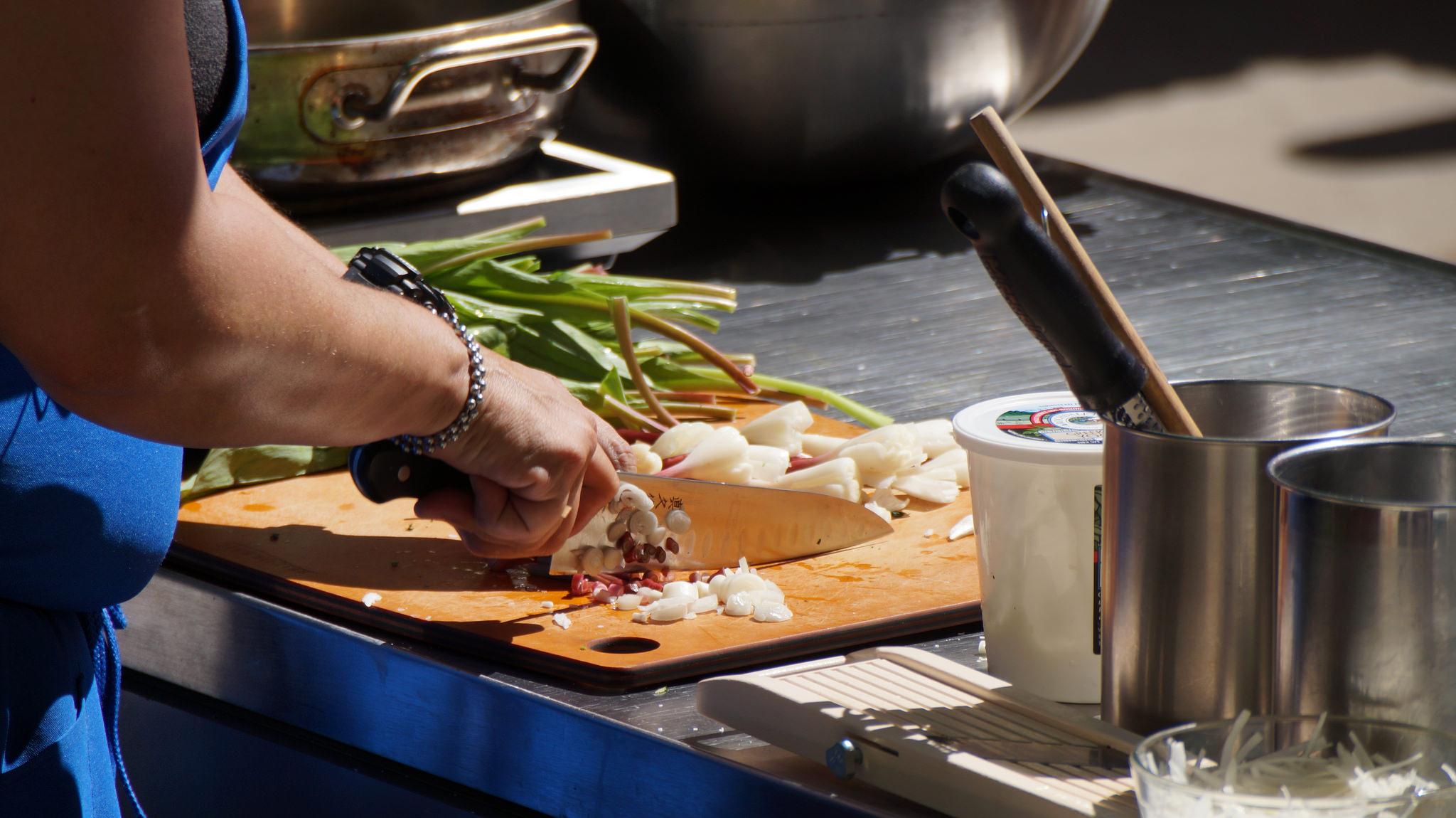 wild rice salad Nettie with Knife