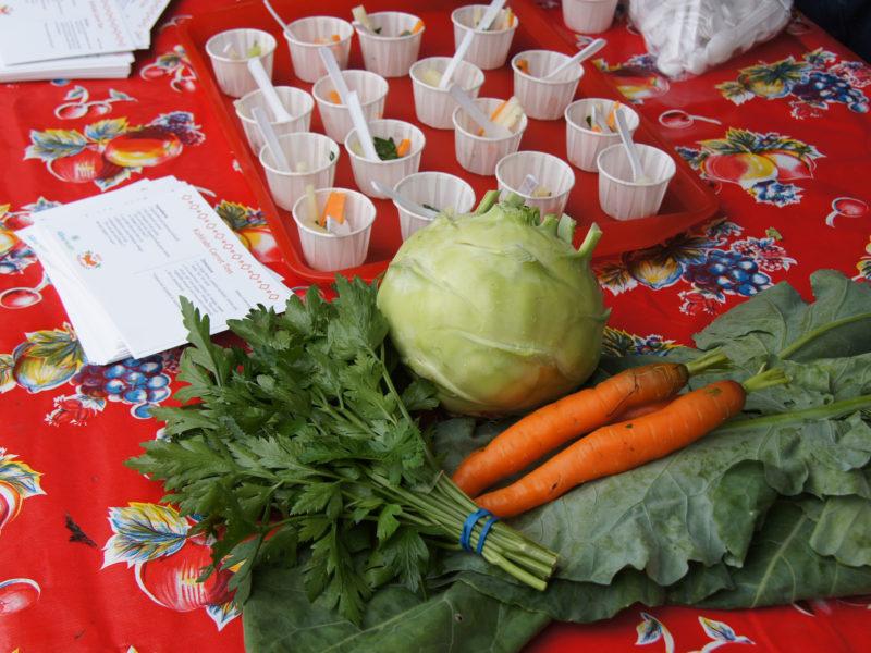Kohlrabi Carrot Toss