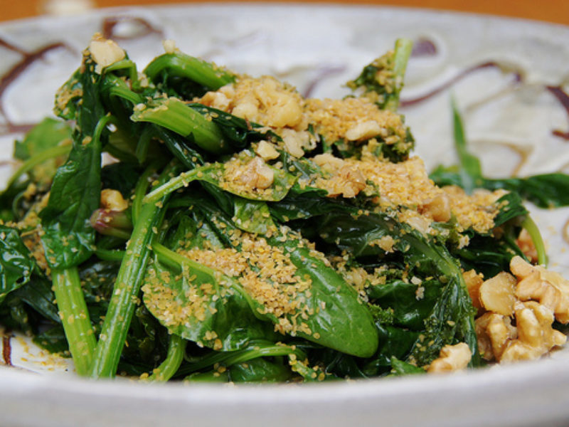 Spinach with Walnuts and Flax